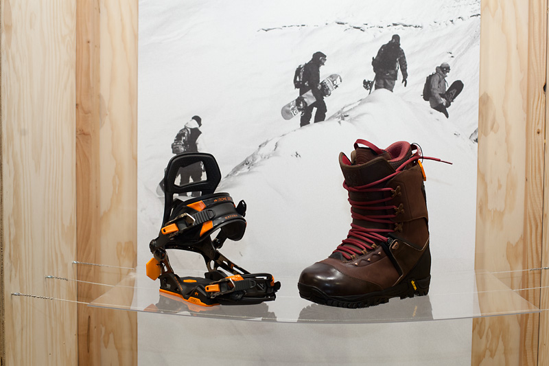 Rome SDS Katana bindings and Guide boots.